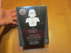 STAR WARS FIRST ORDER SNOWTROOPER CLASSIC BUST GAMESTOP 468 OF 4000 LIMITED