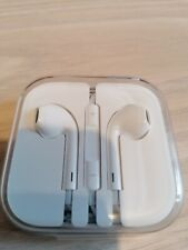Apple EarPods 3.5mm with Remote and Mic - White