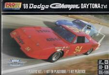 Revell 85-4413 1/25 1969 Dodge Charger Daytona 2n1