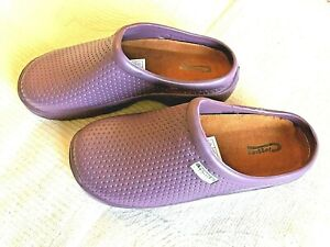 NEW Town & Country purple lightweight patterned garden CLOGS -Size 5 UK