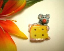 CUTE! REALISTIC MOUSE WITH BIG CHEESE PORCELAIN CERAMIC 4-HOLE BUTTON