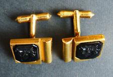 Paire de boutons de manchette en plaqué or + intaille verre noir cufflinks