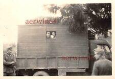 Deutsche Soldaten im USA Beute LKW Chevrolet Demjansk Ostfront