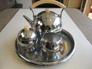 VTG 1930's Chase Chrome Art Deco Teapot Creamer & Sugar Bakelite Handles On Tray