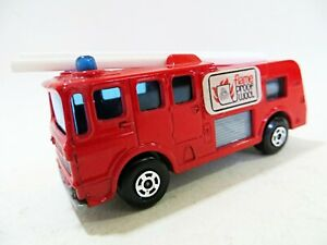 MATCHBOX SUPERFAST 35/35c 'MERRYWEARTHER FIRE ENGINE - FLAME PROOF WOOL. RARE.