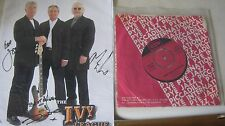 """THE IVY LEAGUE ORIGINAL SIGNED PHOTOGRAPH & 1965 SINGLE """"FUNNY HOW LOVE CAN BE""""."""