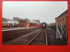PHOTO  LEICESTERSHIRE LOUGHBOROUGH CENTRAL RAILWAY STATION 1984 VIEW 2