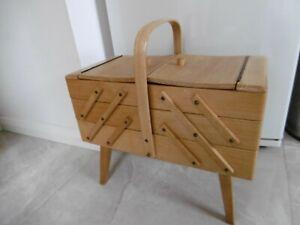Vintage Retro Sewing Box - 1950s 1960s PERIOD CANTILEVER design