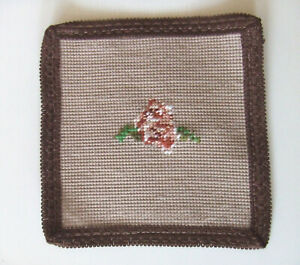 Deckchen Untersetzer Gobelin Rose fertig gestickter Stramin Handarbeit