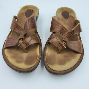 Clarks Women's 9.5M Artisan Collection Brown Leather Slip On Flip Flops Sandals