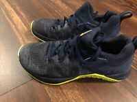 New Nike Mens Metcon Flyknit 3 Training Weight Lifting Shoes Size 6 Navy Green