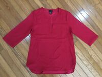 Adrienne Vittadini Red Blouse Tunic V Neck 3/4 Sleeve Top Size M