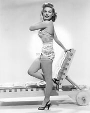 ACTRESS GALE ROBBINS PIN UP - 8X10 PUBLICITY PHOTO (AB-526)