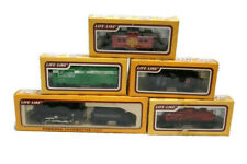 Life-Like HO Scale Train set Locomotive 2584 steamer and tender with 4 cars