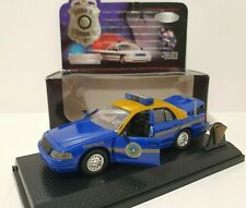 ROAD CHAMPS 1:43 Police Edition Limitée 1999 Ford Crown Victoria West Viginia