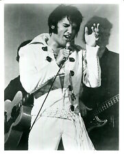 COLLECTIBLE legendary King of Rock n Roll, Elvis Presley 8 X 10 photo