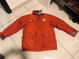 Vintage 1996 Tommy Hilfiger Ferrari F1 Red Down Insulated Jacket Size L