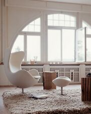 Poltrona egg chair ottomano Arne Jacobsen bianca simil pelle pouff poggiapiedi