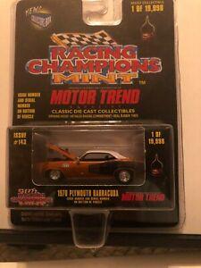 1/64 RACING CHAMPIONS MINT MOTOR TREND 1970/71 PLYMOUTH BARRACUDA ORANGE & WHITE