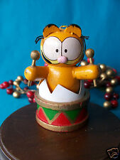 United Feature Syndicate Ufs 1978 Wooden Garfield Popping out of a Drum Ornament