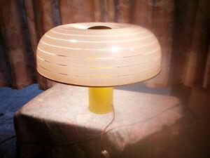 Lampada da tavolo modernariato Design anni 70-80 .