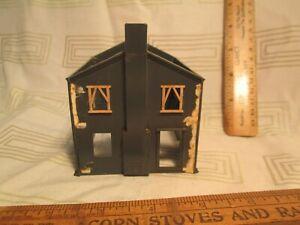 "Vtg HO Scale Dark Gray House Building 3.8"" by 3.2"" Foot Print  nr"