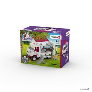 Mobile Vet with Hanoverian Foal, Schleich Horse Club Playset- model 42370