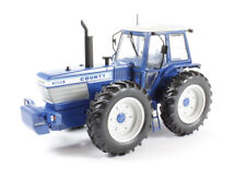 UNIVERSAL HOBBIES  - 4032 COUNTY 1474 TRACTOR 1:32 SCALE