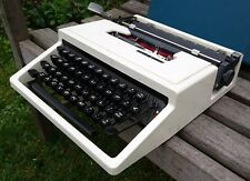 VINTAGE 1960s OLIVETTI DURA TYPEWRITER - WORKS PERFECTLY