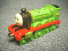 2002 LEARNING CURVE THOMAS & FRIENDS HENRY TAKE ALONG DIECAST METAL TRAIN ENGINE