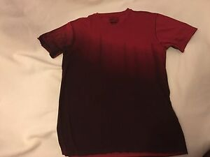 Retrofit medium NWOT v-neck T-shirt red with shades to burgundy front and back