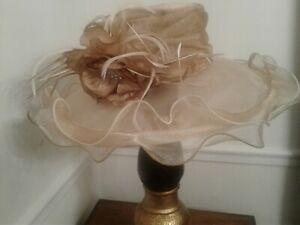 Women's Dress/Church/Wedding/ Kentucky Derby/ Formal Hat - Shimmering Nude/Gold!
