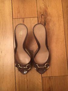 Gucci Sandals Size 4 / 37