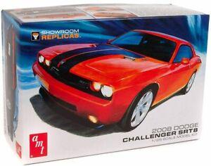 AMT: 2008 Dodge Challenger SRT8 1:25 Scale Model Kit