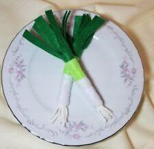 Felt pretend play food - Green Onion - embroidery - handmade NEW
