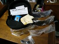 Oakley Radar EV Lenses X 4 + Case & Accessories no sunglasses included Polarized