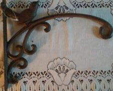 Beautiful Rich Brown Iron Wall Bracket Hook with Bird
