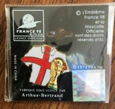 Badge pin FIFA in France England 1998 slide fitting Official World Cup