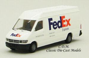 FedEx Express Sprinter Delivery Van White 1/87 HO Walthers SceneMaster 949-12203