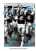 OLD 8x6 PHOTO FEATURING ALEX JESAULENKO CARLTON FC 1979 GRAND FINAL WIN