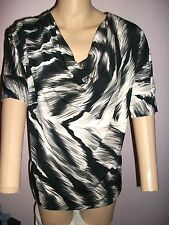 LORI MICHAELS DRAPED NECK FLOWING TOP WITH SLIMMING EFFECT-BLK/GRAY/WHITE-SIZE L