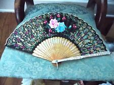 Beautiful Vintage Ladies Hand Painted Fan Mother Of Pearl Handle & Cartouches