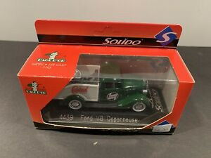 Solido Ford V8 Depanneuse Tow Truck #4439  Vintage In Display Case 1:43 Castrol