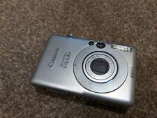 Canon IXUS 40 - 4.0MP Digital Camera - Broken Screen