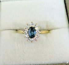 Vintage solid 9 carat gold Topaz and CZ Cluster ring
