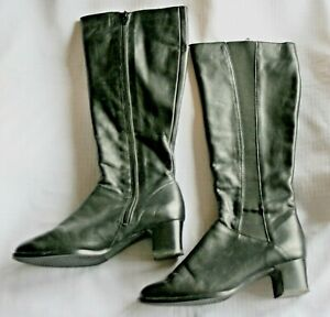 Ladies black leather boots - size 4.5G