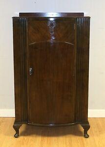 ELEGANT C.W.S ART DECO WALNUT LADIES WARDROBE ON CABRIOLE LEGS & SINGLE DOOR