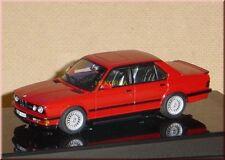 BMW M5 E28 E28S 1985-1987 - zinnoberrot red rouge rosso - AUTOart 55151 1:43