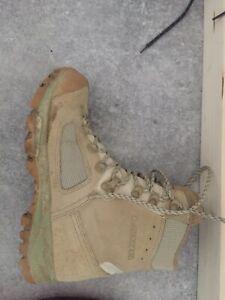 chaussures randonnée Militaire Lowa