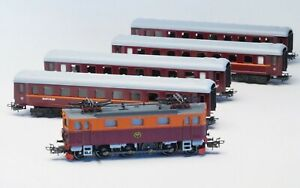 30302, 41921 Marklin HO SJ Electric Locomotive Class Da & 4 Tin plate cars NIB